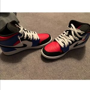 Nike Jordan 1 retro mid red white and blue